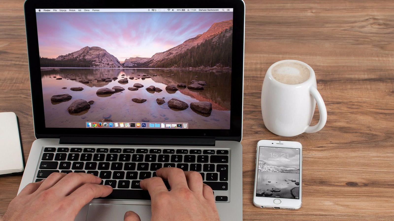 Как перевернуть экран на ноутбуке и изменить размер
