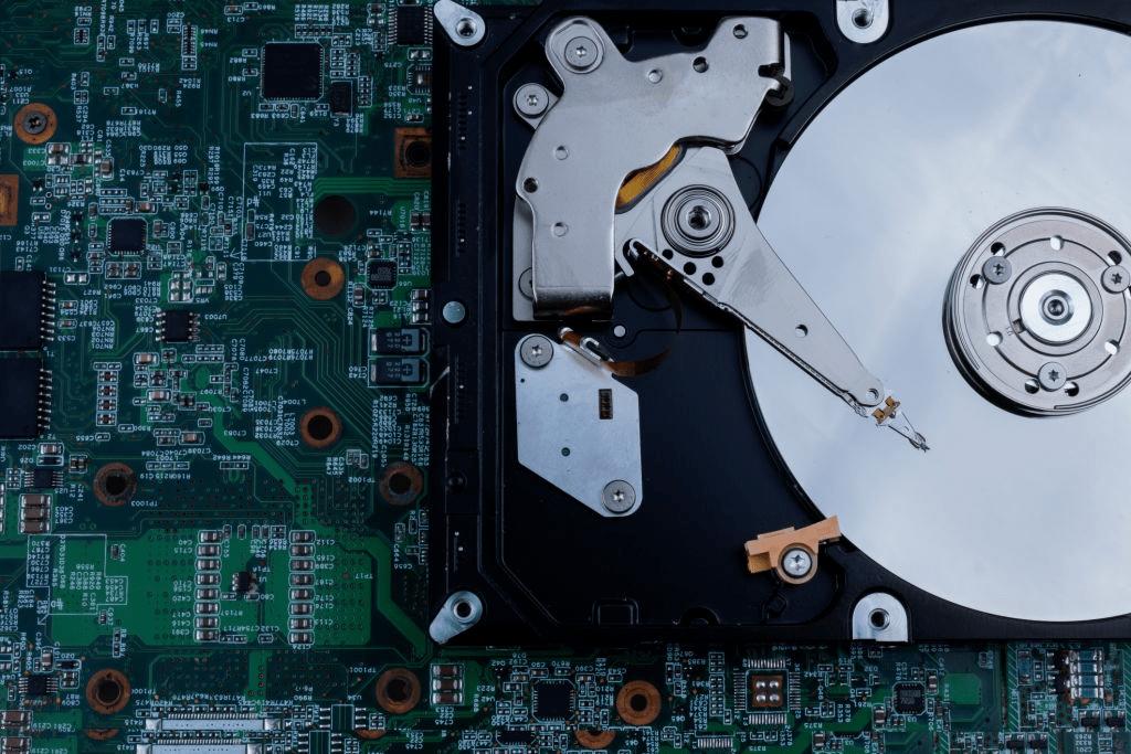 Что выбрать HDD или SSD?